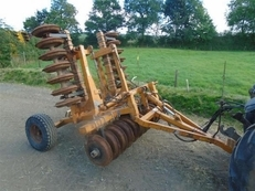 BUNNING 15 TON SPREADERS