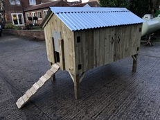 Handmade Chicken Coop/Hen hut